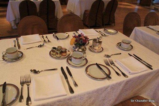 Llao Llao Hotel and Resort, Golf-Spa: Mesa emplazada para Desayuno