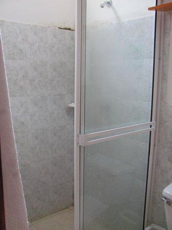 Taganga Dive Inn : ducha