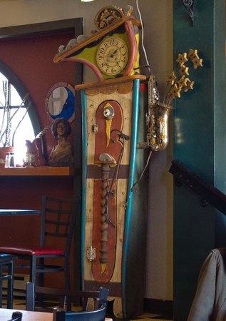 the blue moon grandfather clock foto di blue moon cafe