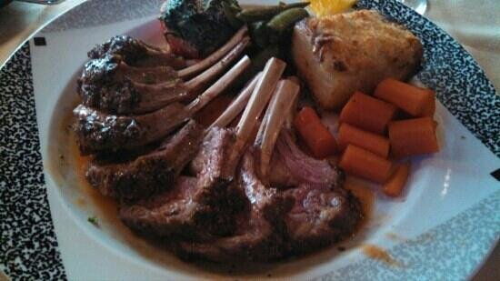 Nouvelle Cuisine: Easter rack of lamb!!!