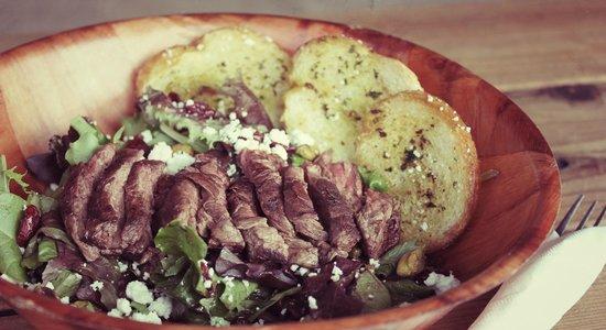 Loaded Joe's : Forager salad with hanger steak
