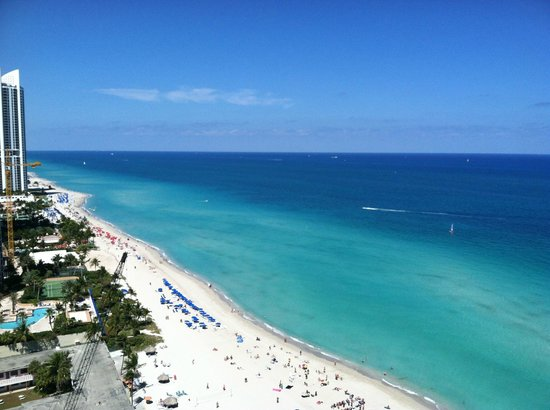 Doubletree Resort & Spa by Hilton Ocean Point - North Miami Beach: View from the room