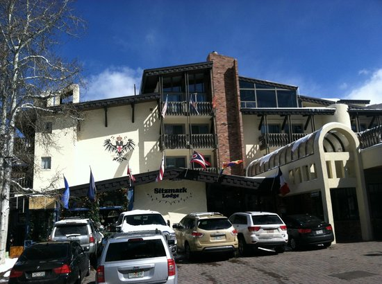 Sitzmark Lodge at Vail: Front of Hotel