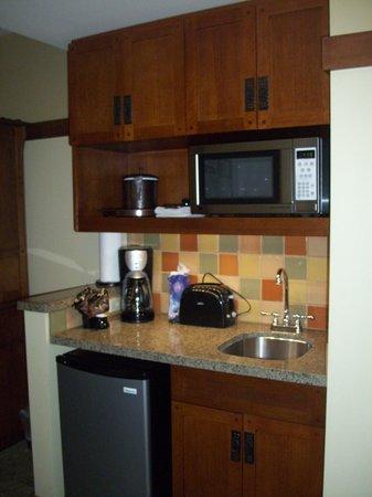Disneyu0027s Grand Californian Hotel U0026 Spa: Mini Kitchen