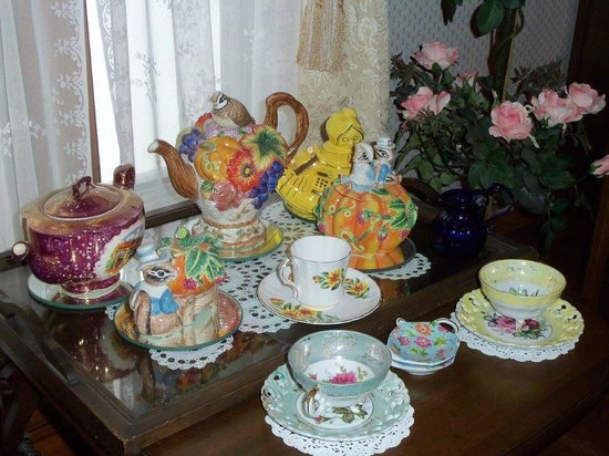 Rosebelle's Victorian Inn: Tea Anyone!