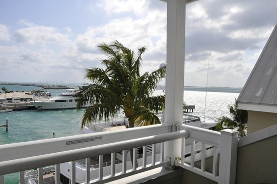 Margaritaville Key West Resort & Marina : Amazing view from 4th floor suite with balcony.