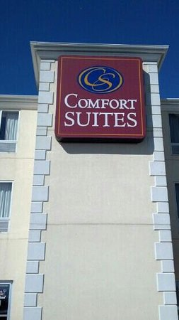 Comfort Suites: Outside