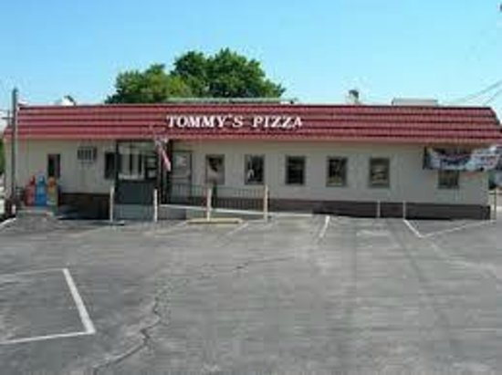 Tommy's Pizza Front View