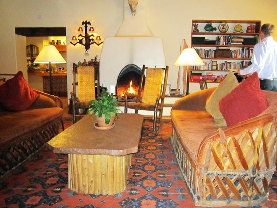 Inn on the Alameda: Warm reception and temporary breakfast area