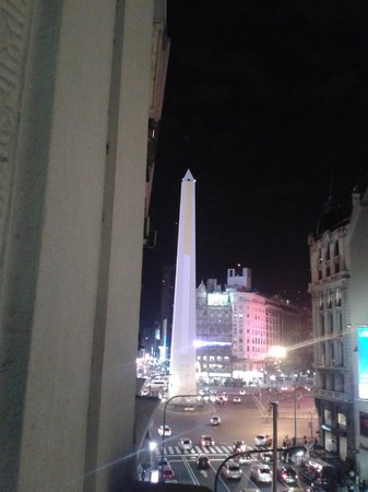 Broadway Hotel & Suites: View from room