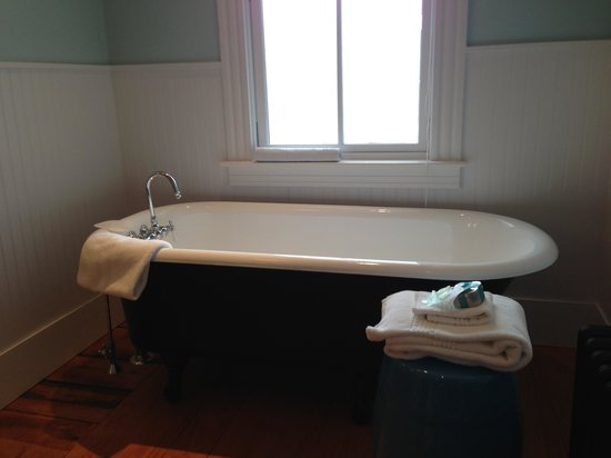 Woods Hole Inn : Bathroom