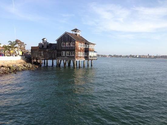 San Diego Pier Cafe : from the pier