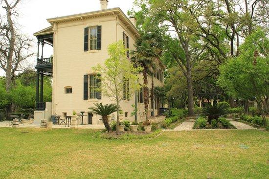 Villa Finale: Museum & Gardens