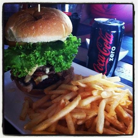 Fare La Canadienne : Excellent le Burger !!