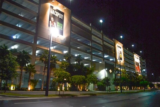 | Hard Rock Cafe Hollywood, Fl | Parking |