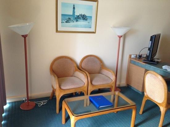 Opal Cove Resort: Rooms need renovating