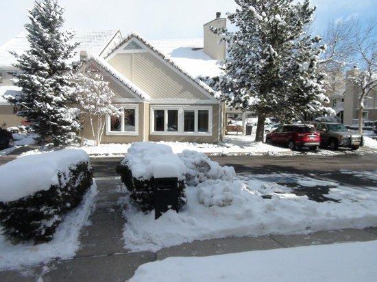 Residence Inn Boulder: Vista da entrada principal