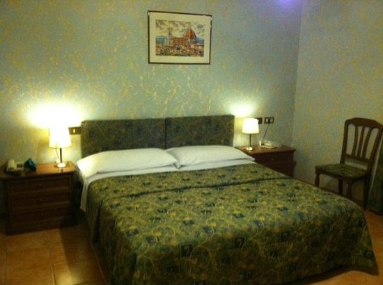 Silla Hotel: Bed