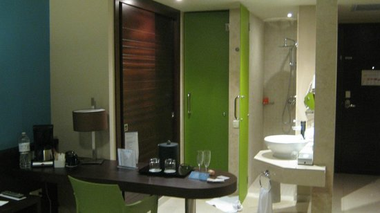 NH Punta Cana: Green door to WC