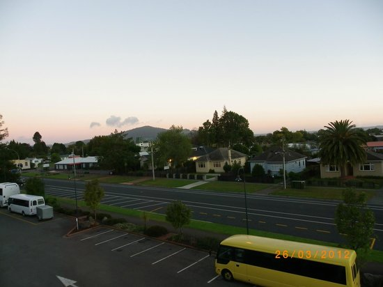 Holiday Inn Rotorua: Early morning view from our room.