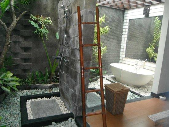 Rumah Santai Villas: bathroom