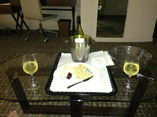 The Point Brisbane Hotel : Cheese & Wine Platter