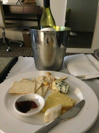 The Point Brisbane Hotel: Cheese & Biscuits