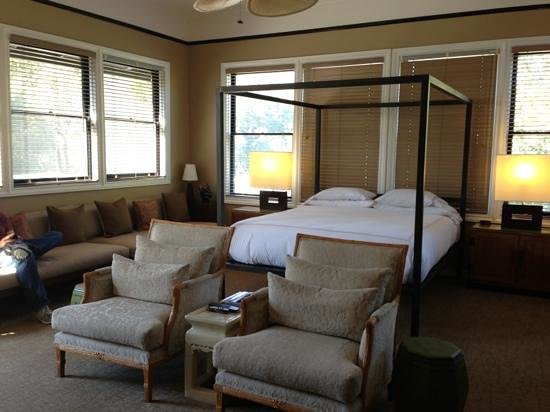 Gaige House, A Four Sisters Inn: The Gaige Suite bedroom.