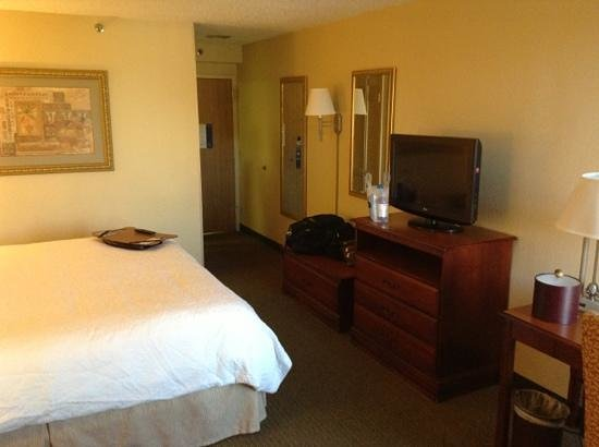 Comfort Inn : Room 214 King Study