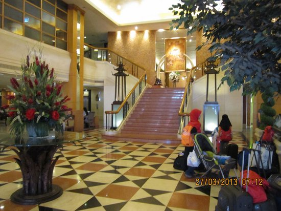 Indra Regent Hotel: hotel inside