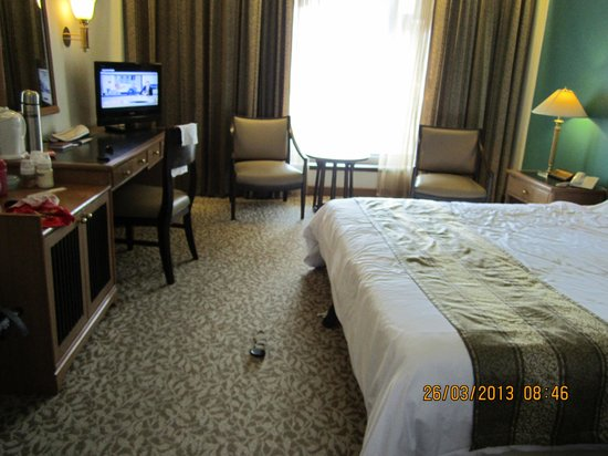 Indra Regent Hotel: room was big and comfortable