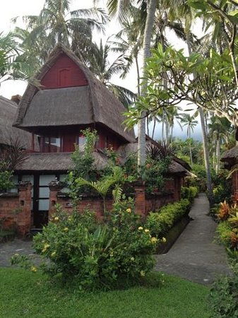 Ida Beach Village: the lumbung.