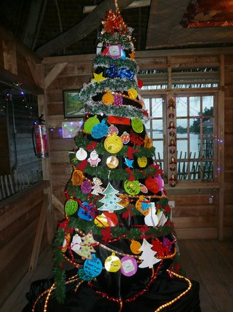 Telunas Beach Resort: Homemade Christmas tree