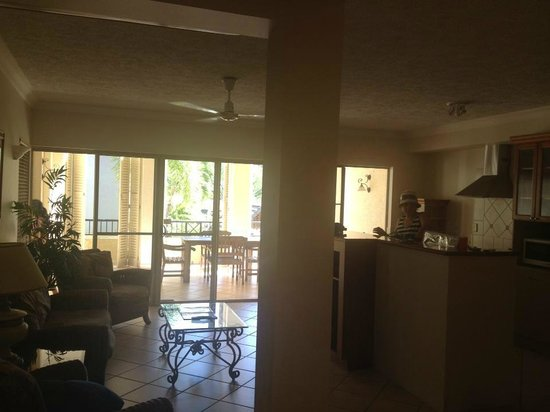 The Lakes Cairns Resort: 2 brm apartment