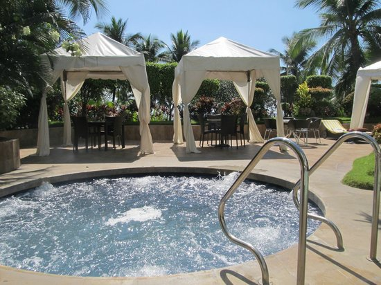 Diamond Hotel Philippines Outdoor Spa