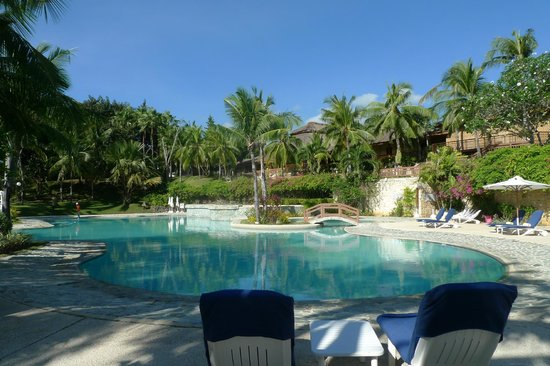 Alegre Beach Resort: pool area