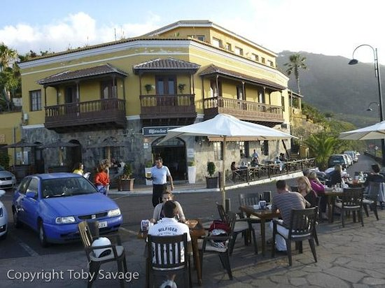 Hotel Rural Residencia San Pedro: A busy venue, but good service.