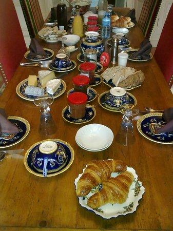 La Maison de l'Argentier du Roy : presentacion del desayuno para todos los gustos