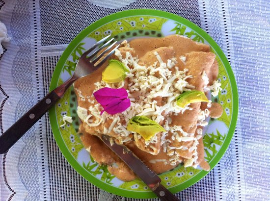 Posada Los Mapaches: breakfast enchiladas