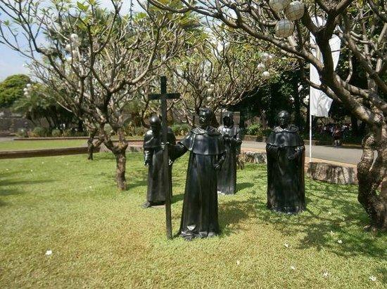 Fort Santiago: Скульптурная композиция