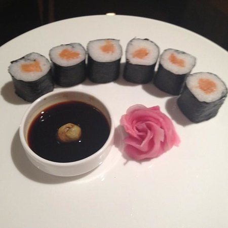 Country Inn & Suites by Carlson - Gurgaon, Udyog Vihar: Sushi