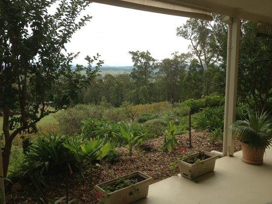 Wallaby Ridge Retreat : Super view down the valley