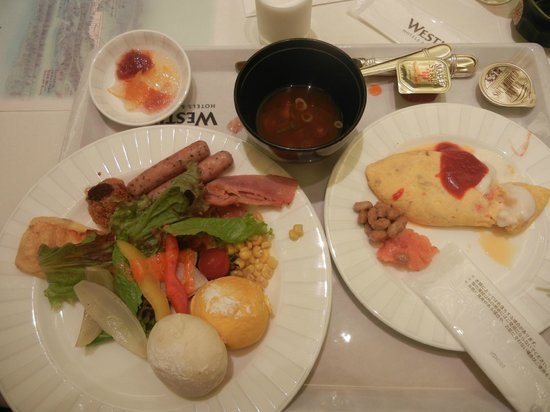 Fun Dining Coccolare Buffet: 朝食にて