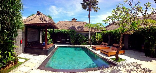 Peppers Seminyak: the villas and the poll