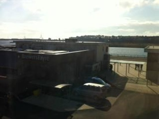 Premier Inn Barry Island (Cardiff Airport) Hotel: Not far to dine