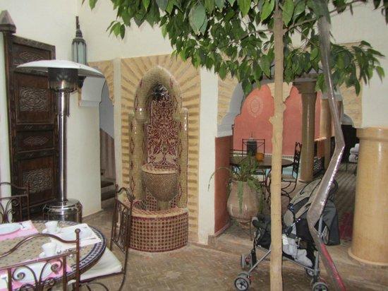 Riad Itrane: Internal courtyard