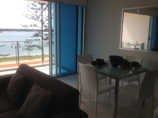 Silvershore Apartments on the Broadwater: Dining area
