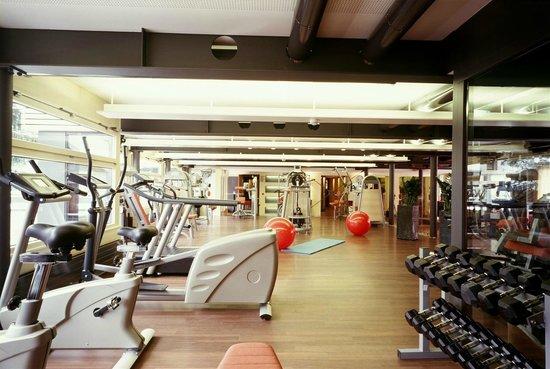 Hotel Eiger Grindelwald: Betreuter Fitnessbereich im Selfness Center