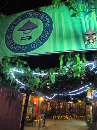 Lolo Nonoy's Food station: Unassuming entrance to great food