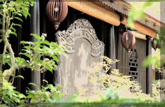 Ancient Hue : traditional house